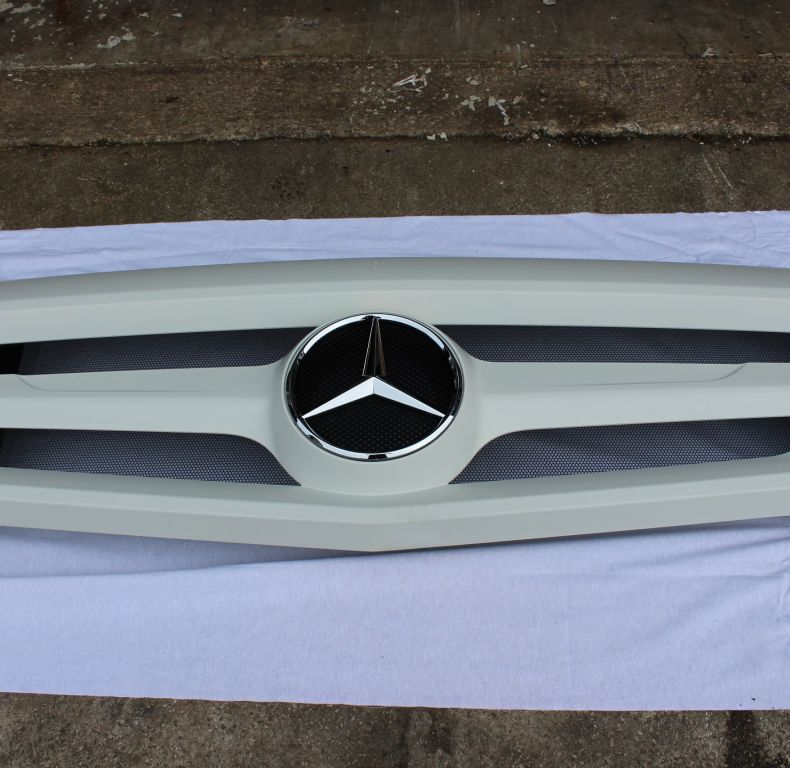 New Mercedes U4023/5023 Front Grille Upgrade