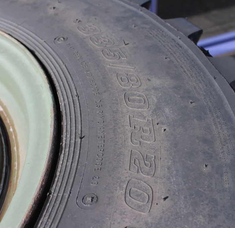 x4 used dunlop 335/80r20 tyres
