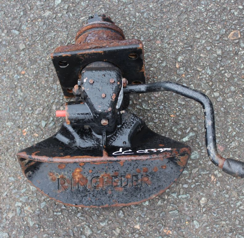 RINGFEDER TOW HITCH