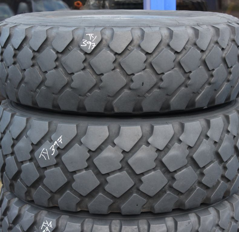 x4 used Michelin 335/80R20 XZL tyres